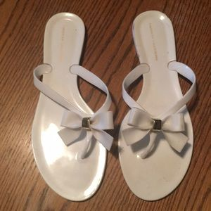 Chinese Laundry White Bow Jelly Flip flops 10